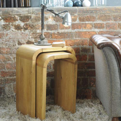 Lounge Oak Petite Nest Of 2 Tall Lamp Tables