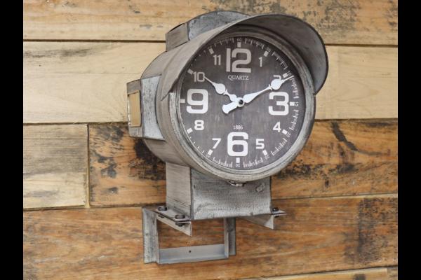 Signal Clock